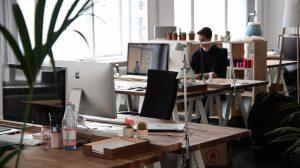 Tre motivi per cui un'assistente virtuale può essere meglio di un impiegato in ufficio